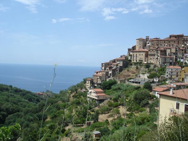 Basilicata coast to coast ovvero viaggio nel regno di for Bric a brac napoli arredamento