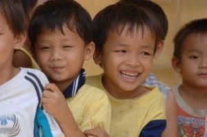 bambini vietnamiti