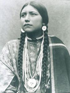na-woman-2-apache